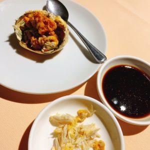 食べやすく調理された上海ガニ